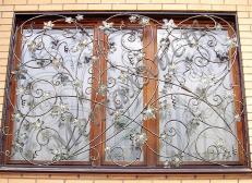 Кованая решетка на окна - изделие 125