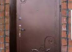 Кованая дверь с угловыми рисунками - Изделие 19