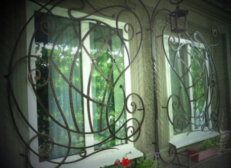 Кованое изделие 11 - решетка на окна
